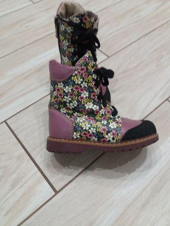 Зимові   чобітки для дівчинки