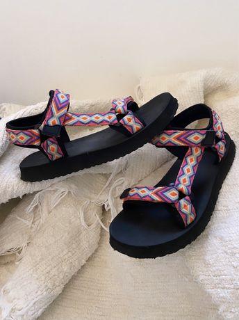 Sandálias desportivas multicoloridas Pull&Bear 38