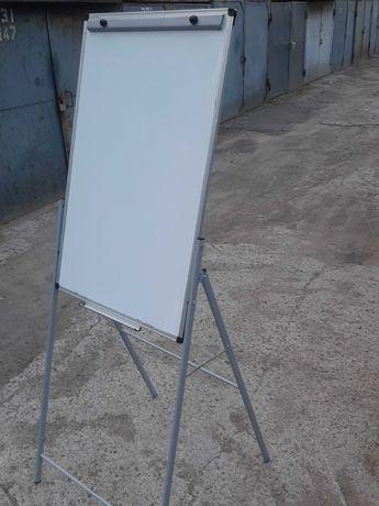 Доска магнитно-маркерная на стойке ( презентационный флипчарт )