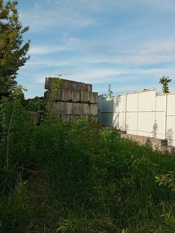 Продаж земельної ділянки в Смиківцях з будматеріалами