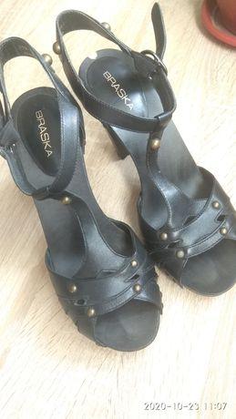 Туфли, босоножки 39р.