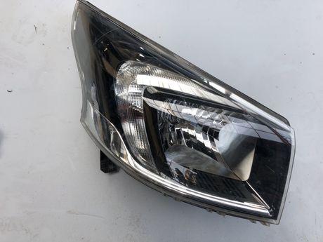 Lampa przód przednia prawa Opel Vivaro B