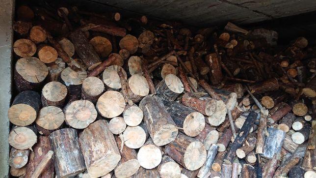 Drewno opałowe suche gotowe do palenia