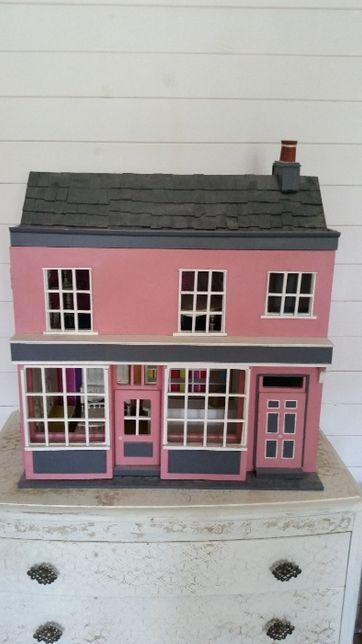Ręcznie robiony domek - sklep dla lalek