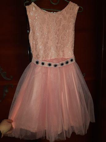 Продам платье  р. 140, цена 250 грн