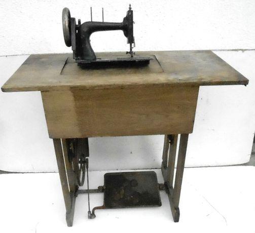Stół maszyny do szycia drewniany z pedałem i kołem napędowym, Kohler