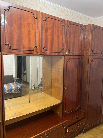 Віддам меблі для зали шафи
