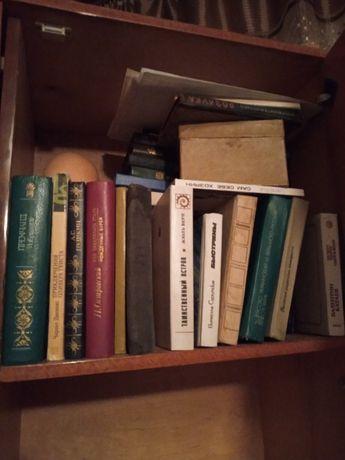 Отдам книги в отличном состоянии