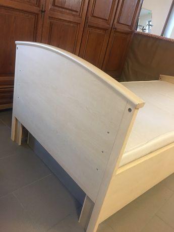 Sprzedam łóżko pojedyncze z materacem i nakładką na materac