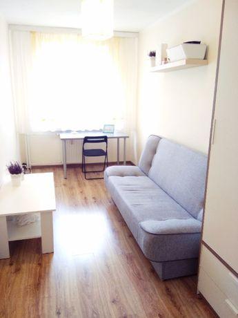 Ładny pokój 1-osobowy w mieszkaniu 2-pokojowym na os. Kosmonautów