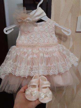 Продам детское платье на выписку