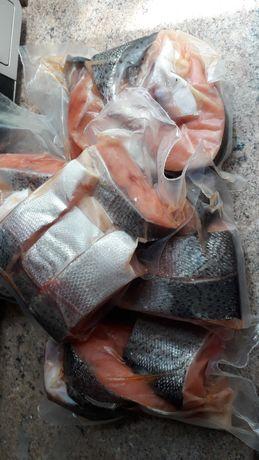 В наявностi червона рибка, форель, стейки форелi