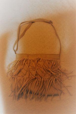 Torebka typu listonoszka z frędzlami / frędzelkami do sprzedania