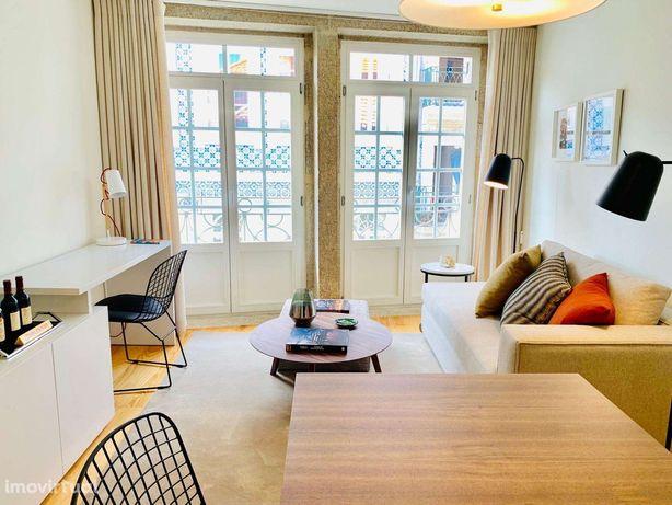 Apartamento T1 duplex mobilado com varanda na Baixa do Porto