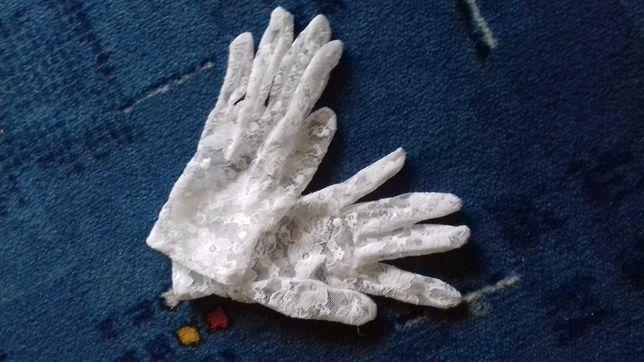 Sprzedam rękawiczki do komuni