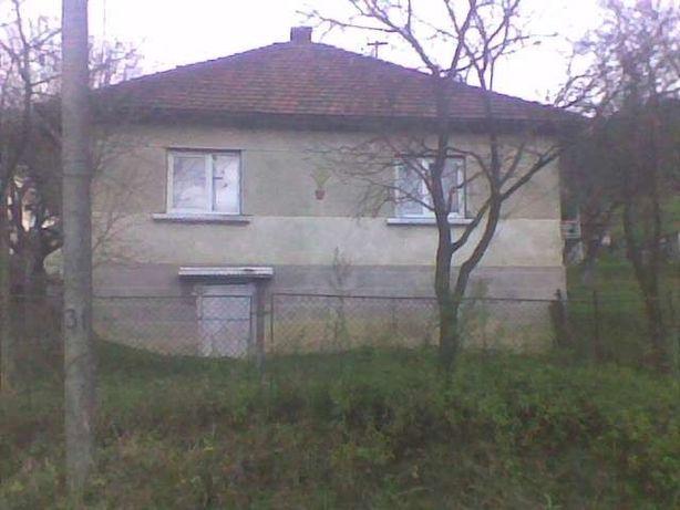 Продається будинок і земельна ділянка в Карпатах