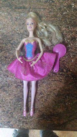 Lalka Barbie w sukience + grzebień