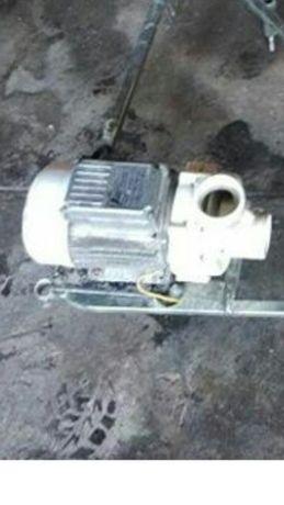 Мотор для води