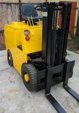A Wózek RUMIA diesel RAK widlak 1,5 T wspom niski LEASING widłowy