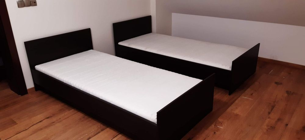 Sprzedam łóżka jednoosobowe ciemny dąb 90x200 Poznań - image 1