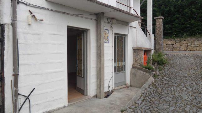 Casa em gonça T2