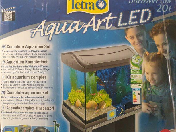 Małe akwarium 20 l Tetra z oświetleniem LED i pompką