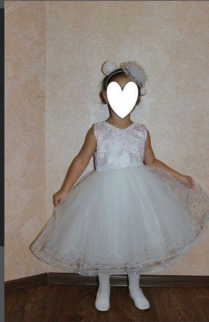 Детское красивое нарядное платье Снежинки Зимы 98 - 106 см