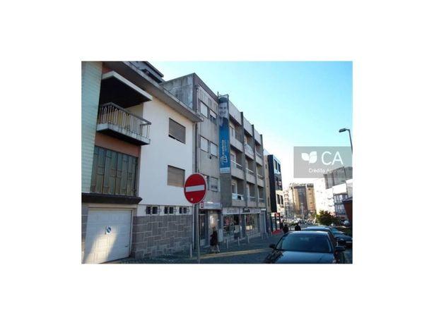 (186) Sala/Escritorio 1º Andar c/ 47.75 m2 - Praça Dª Mar...