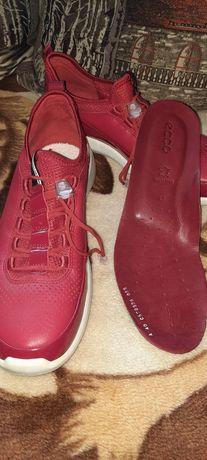 Ecco кросівки жіночі,40 р.
