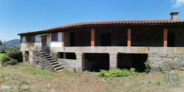 Moradia - 443 m² - T3