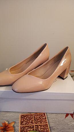 Nowe pół buty, obcasy, czułenka