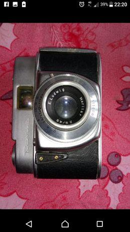 Máquina fotográfica antiga REVUE