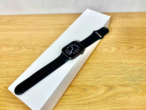 Apple Watch Series 4, space gray, 44 mm
