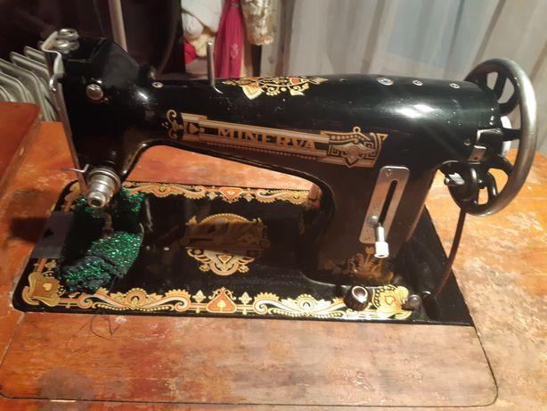 Фирменная швейная машинка СССР