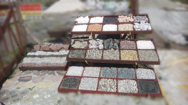 Kamień do ogrodu grys biały