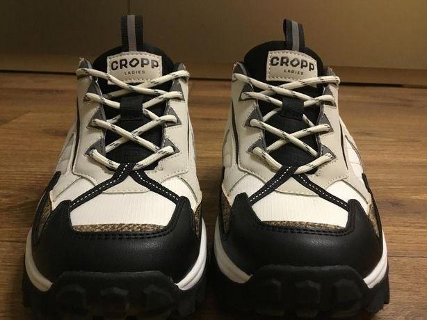 Отличные кроссовки 39 размер/ Новые