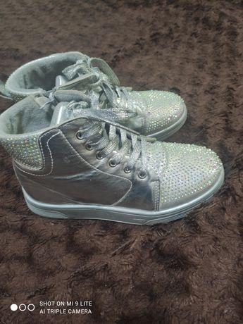 Ботинки для девочки Деми 35