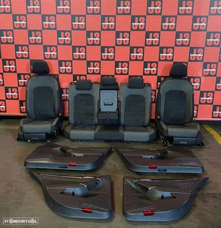 Conjunto de bancos FRT-TRAS + 4 quartelas _ VW Golf VII 15´