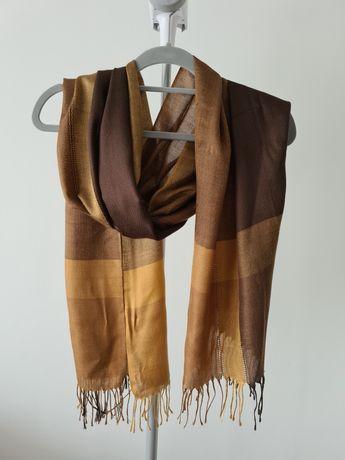 Złoto brązowy szalik z frędzlami