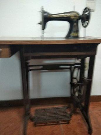 Máquina de costura Singer. Excelente para colecionadores, ótimo estado