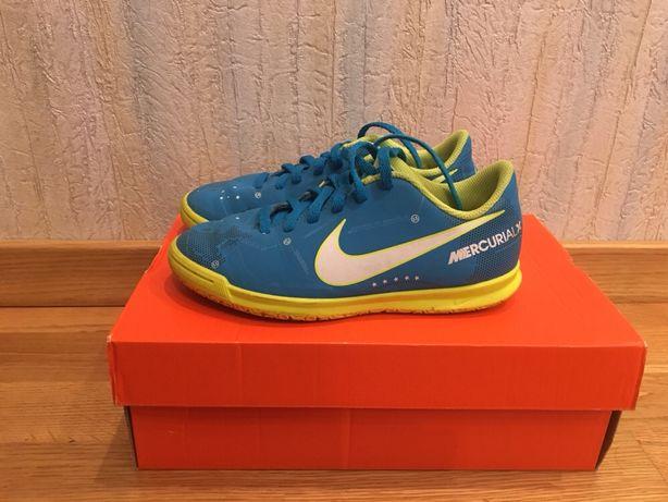 Футбольные бутсы Nike 32р.