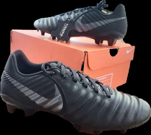 Nike 42 Buty sportowe, piłkarskie,Legend 7 Academy Fg