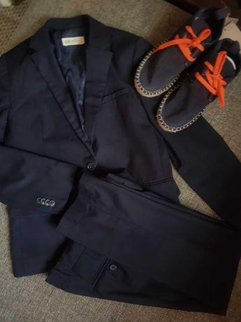 Школьный костюм НМ на мальчика 8-9лет