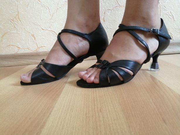 Кожаные туфли босоножки для бальных танцев Gala Valtz, стелька 25 см