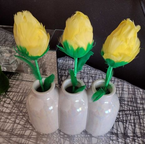 Tulipany,z piór.