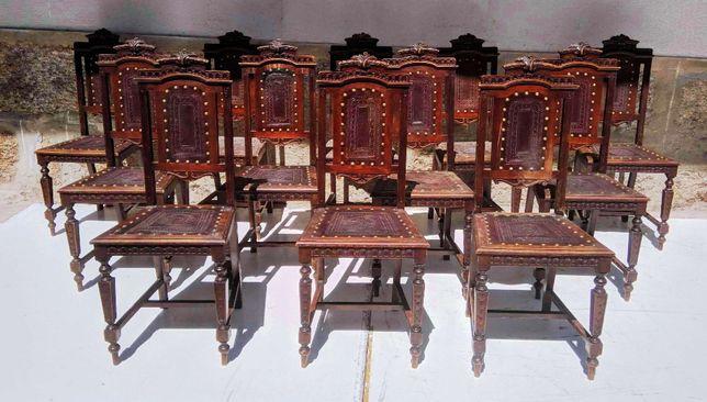 12 Cadeiras Carvalho Couro Pregaria