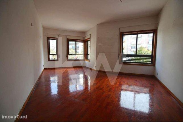 Apartamento T3 no centro de Aveiro - Oportunidade Investidor ou Hab. P