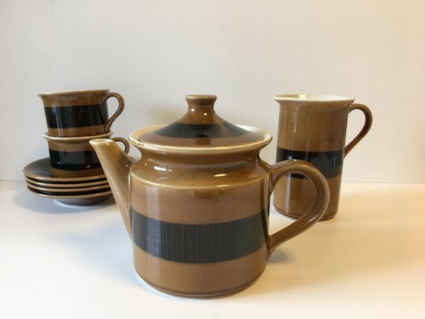 Peças do serviço de chá modelo Norte da Secla.