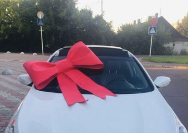 Большой подарочный красный бант на машину на авто
