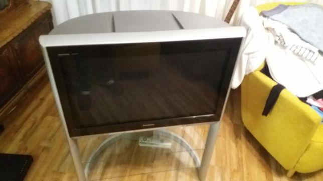 Telewizor Panasonic ze stolikiem